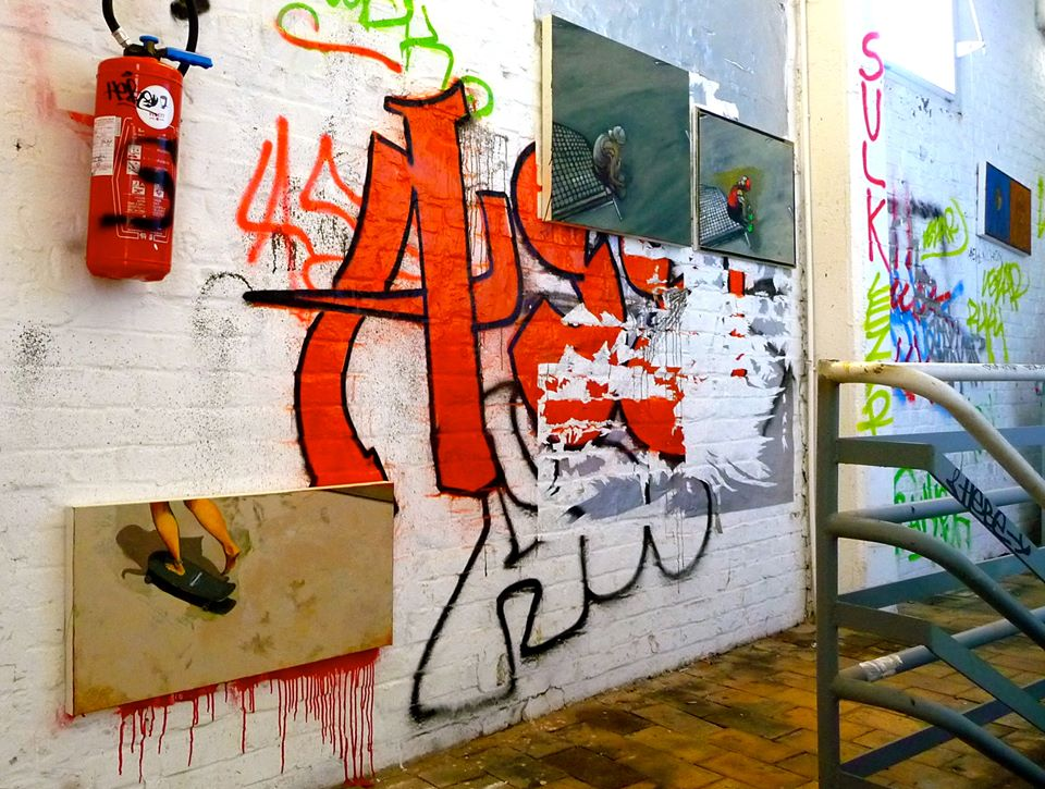 Exposition SAUVAGE dans une cage d'escaliers à Tourcoing